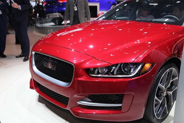 2017 Jaguar F-PACE and XE: LA Auto Show featured image large thumb9