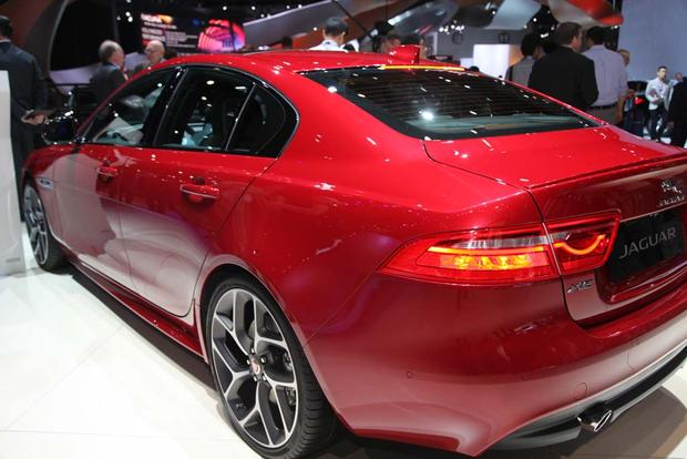 2017 Jaguar F-PACE and XE: LA Auto Show featured image large thumb11