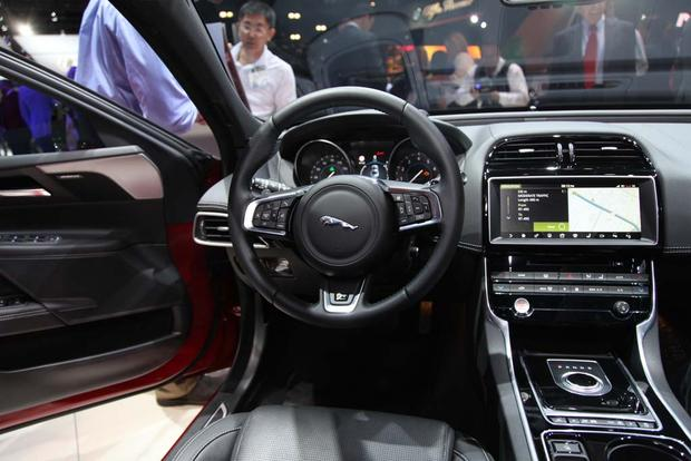 2017 Jaguar F-PACE and XE: LA Auto Show featured image large thumb13