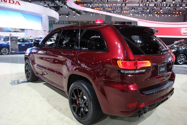 2016 Jeep Grand Cherokee SRT Night: LA Auto Show featured image large thumb2