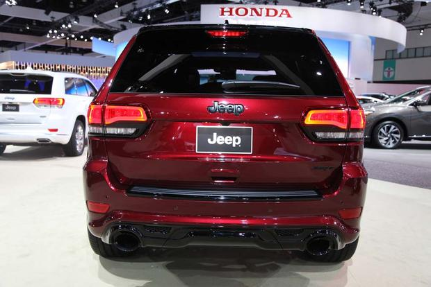 2016 Jeep Grand Cherokee SRT Night: LA Auto Show featured image large thumb3