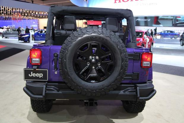 2016 Jeep Wrangler Backcountry: LA Auto Show featured image large thumb3