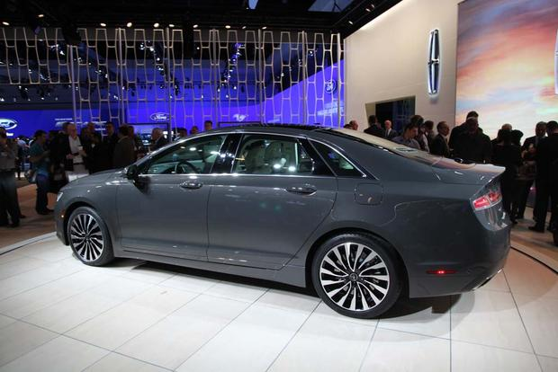 2017 Lincoln MKZ: LA Auto Show featured image large thumb1