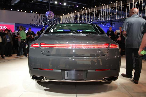 2017 Lincoln MKZ: LA Auto Show featured image large thumb2