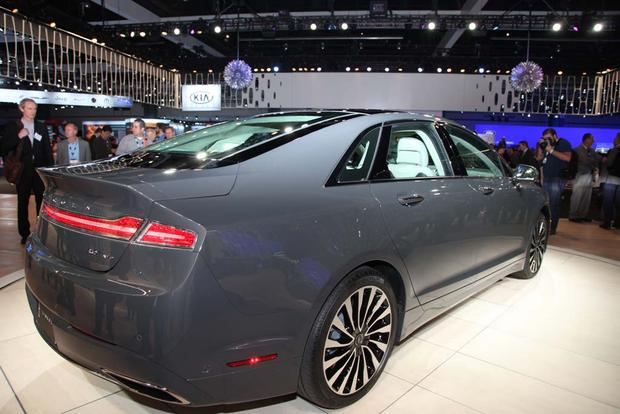 2017 Lincoln MKZ: LA Auto Show featured image large thumb3