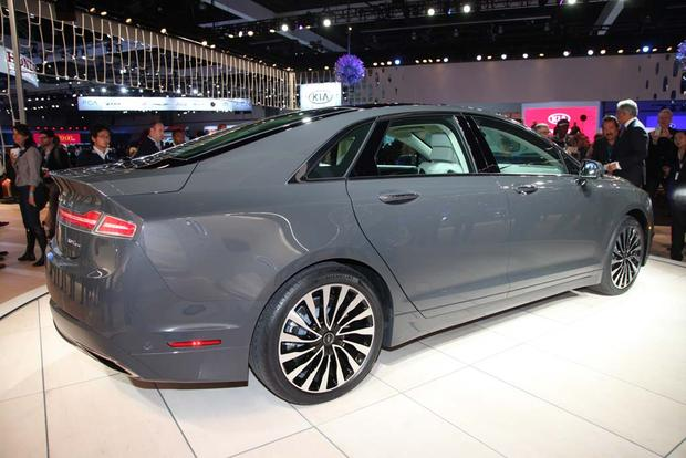 2017 Lincoln MKZ: LA Auto Show featured image large thumb5