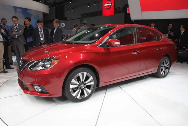 2016 Nissan Sentra: LA Auto Show featured image large thumb0