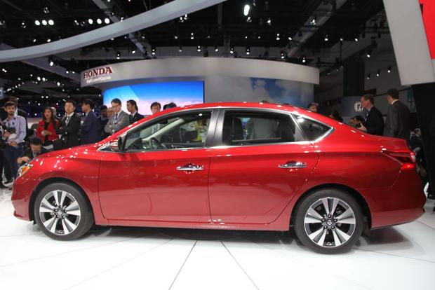 2016 Nissan Sentra: LA Auto Show featured image large thumb2