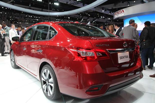 2016 Nissan Sentra: LA Auto Show featured image large thumb3