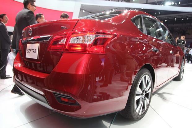 2016 Nissan Sentra: LA Auto Show featured image large thumb4