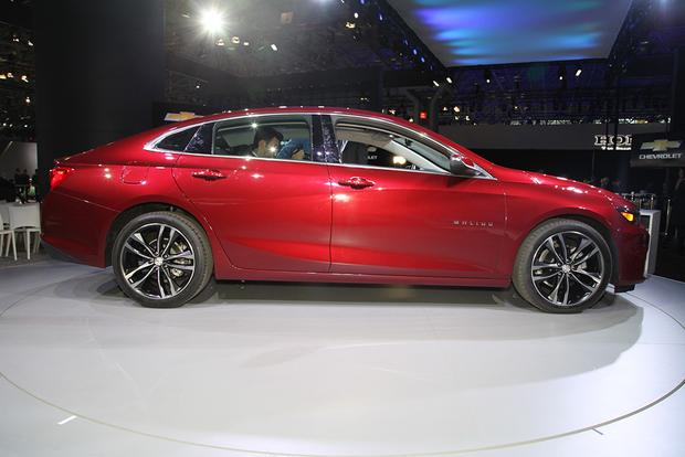 2016 Chevrolet Malibu: New York Auto Show featured image large thumb3
