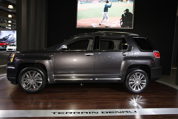 2016 GMC Terrain: New York Auto Show featured image large thumb2