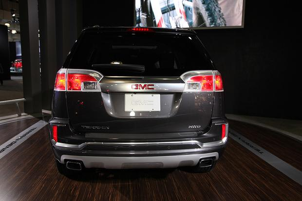 2016 GMC Terrain: New York Auto Show featured image large thumb4