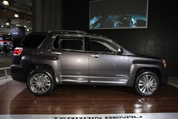 2016 GMC Terrain: New York Auto Show featured image large thumb6