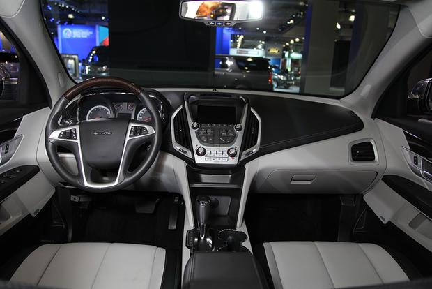 2016 GMC Terrain: New York Auto Show featured image large thumb11