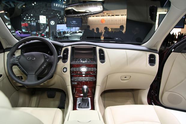 2016 Infiniti QX50: New York Auto Show featured image large thumb12