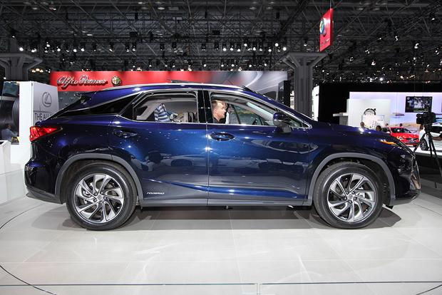 2016 Lexus RX: New York Auto Show featured image large thumb3