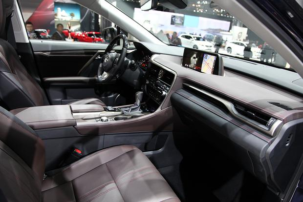 2016 Lexus RX: New York Auto Show featured image large thumb10