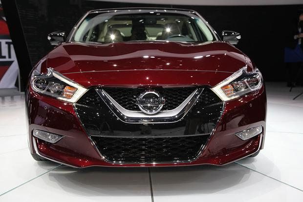 2016 Nissan Maxima: New York Auto Show featured image large thumb1