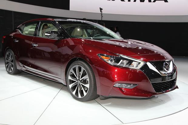 2016 Nissan Maxima: New York Auto Show featured image large thumb0