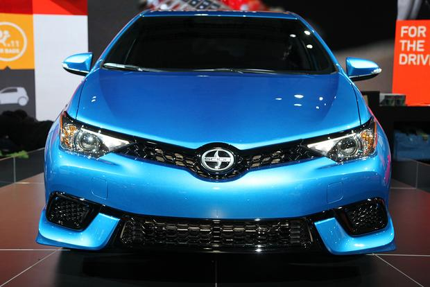2016 Scion iM: New York Auto Show featured image large thumb1