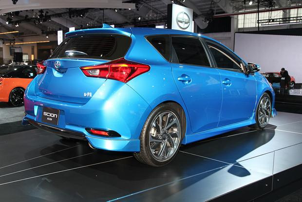 2016 Scion iM: New York Auto Show featured image large thumb3