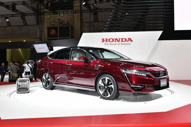 Honda Clarity Fuel Cell: Tokyo Auto Show featured image large thumb1