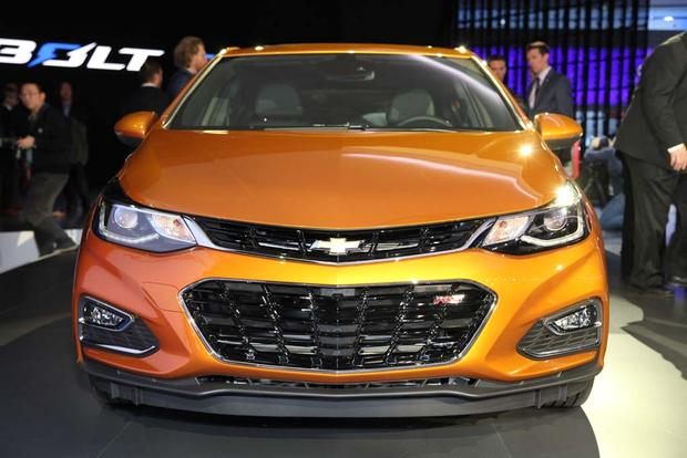 2017 Chevrolet Cruze Hatchback: Detroit Auto Show featured image large thumb2