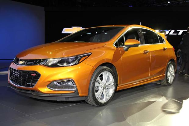 2017 Chevrolet Cruze Hatchback: Detroit Auto Show featured image large thumb0