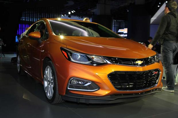 2017 Chevrolet Cruze Hatchback: Detroit Auto Show featured image large thumb7