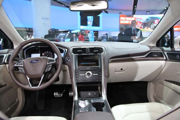 2017 Ford Fusion: Detroit Auto Show featured image large thumb10