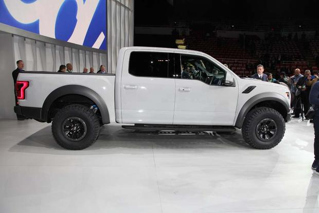 2017 Ford F-150 Raptor SuperCrew: Detroit Auto Show featured image large thumb2