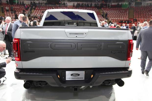 2017 Ford F-150 Raptor SuperCrew: Detroit Auto Show featured image large thumb3
