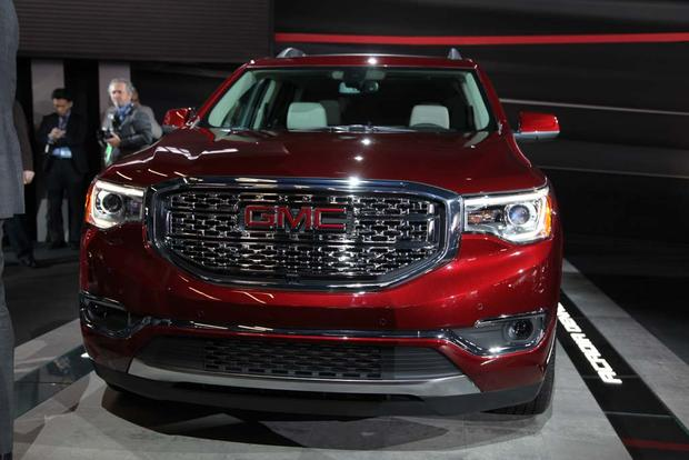 2017 GMC Acadia: Detroit Auto Show featured image large thumb1