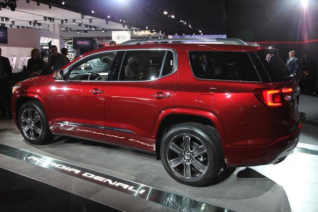 2017 GMC Acadia: Detroit Auto Show featured image large thumb3