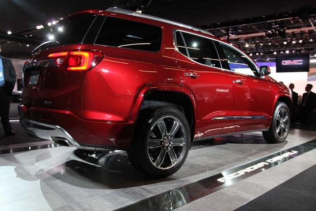 2017 GMC Acadia: Detroit Auto Show featured image large thumb9