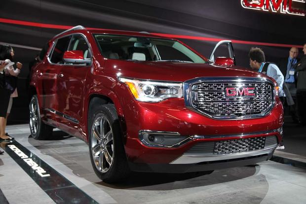2017 GMC Acadia: Detroit Auto Show featured image large thumb10