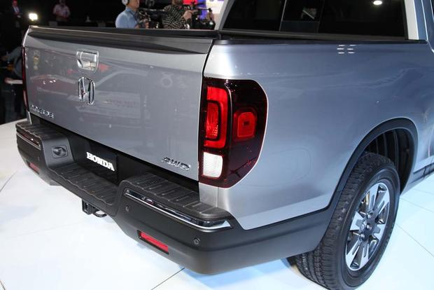 2017 Honda Ridgeline: Detroit Auto Show featured image large thumb4