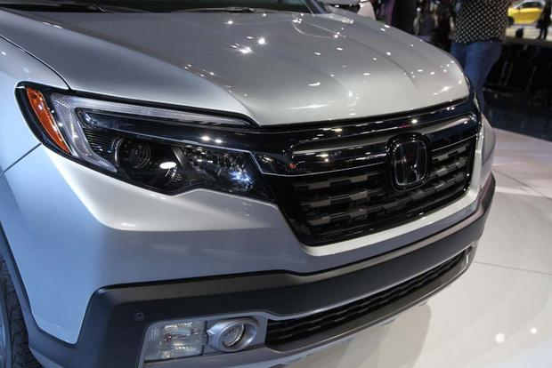 2017 Honda Ridgeline: Detroit Auto Show featured image large thumb5