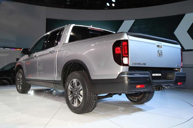 2017 Honda Ridgeline: Detroit Auto Show featured image large thumb6