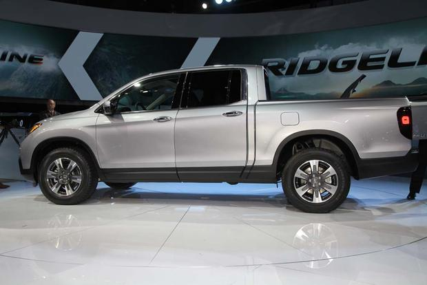 2017 Honda Ridgeline: Detroit Auto Show featured image large thumb11