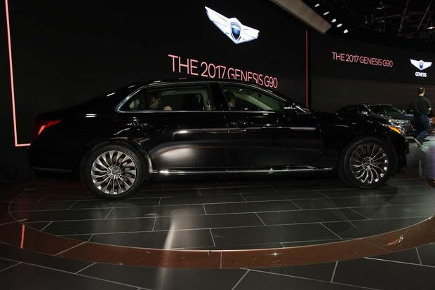 2017 Genesis G90: Detroit Auto Show featured image large thumb4