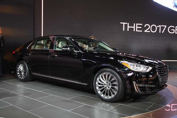 2017 Genesis G90: Detroit Auto Show featured image large thumb0