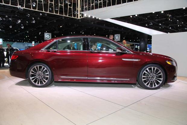 2017 Lincoln Continental: Detroit Auto Show featured image large thumb1