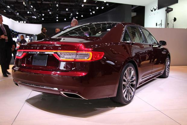 2017 Lincoln Continental: Detroit Auto Show featured image large thumb2