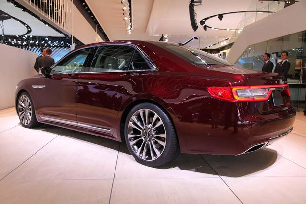 2017 Lincoln Continental: Detroit Auto Show featured image large thumb4