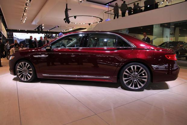 2017 Lincoln Continental: Detroit Auto Show featured image large thumb5