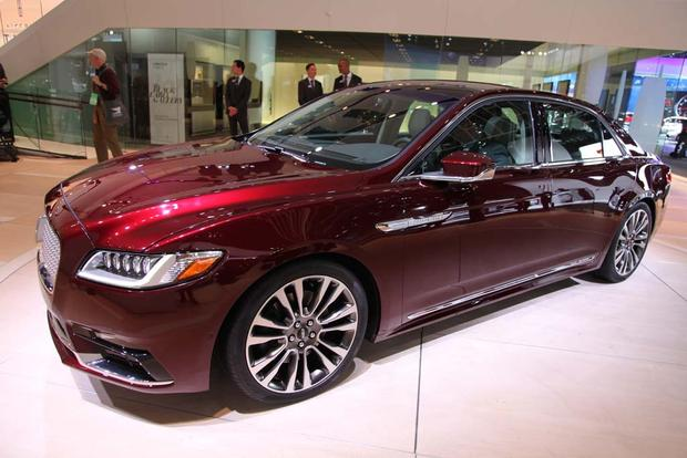 2017 Lincoln Continental: Detroit Auto Show featured image large thumb6