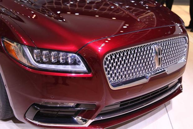 2017 Lincoln Continental: Detroit Auto Show featured image large thumb7