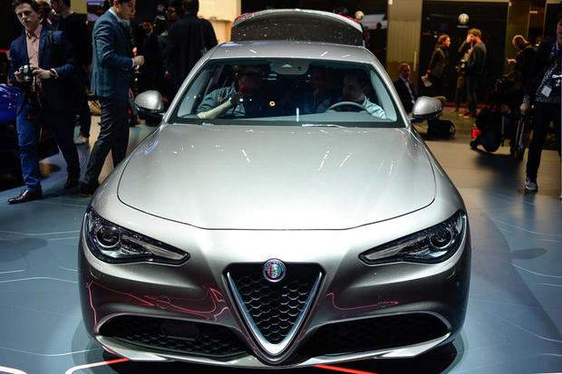 2017 Alfa Romeo Giulia: Geneva Auto Show featured image large thumb1